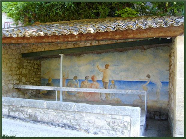 Le lavoir du village de Le Beaucet, Lubéron (84)