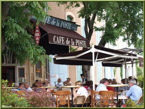 """Café-restaurant """"Café de la Poste"""" à Goult, Lubéron - Vaucluse (84)"""