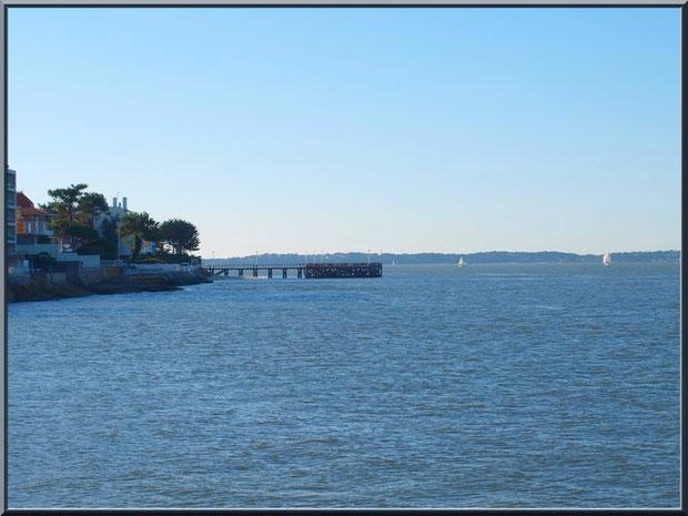 Arcachon en Ville de Printemps : le front de mer avec la jetée de la Chapelle et le Bassin d'Arcachon