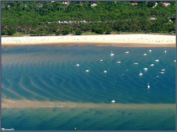 Le Bassin et le rivage d'Arcachon avec sa plage et promenade de Péreire, Bassin d'Arcachon (33) vu du ciel