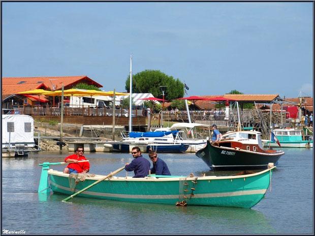 Pinassote et pinasse revenant de la pêche à la sardine - Fête du Retour de la Pêche à la Sardine 2014 à Gujan-Mestras, Bassin d'Arcachon (33)