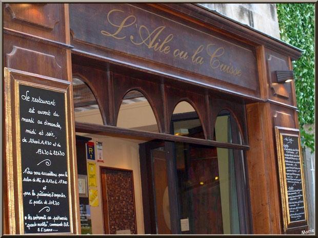 Devanture restaurant très chic dans une ruelle en centre ville à Saint Rémy de Provence, Alpilles (13)