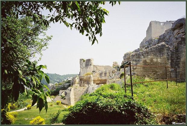 Tour Paravelle, donjon, pigeonnier et basses-cours, Château des Baux-de-Provence, Alpilles (13)