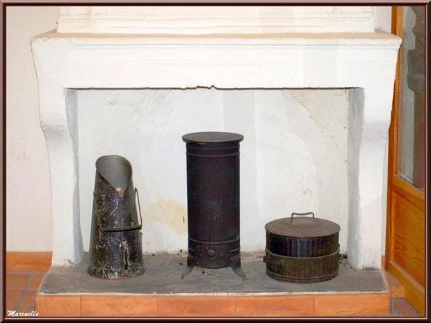 Musée Marc Deydier, village de Cucuron, Lubéron (84) : anciens moyens de chauffage