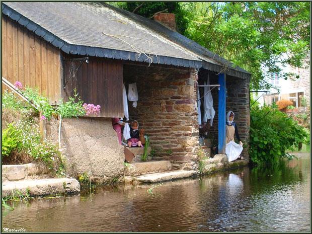 Lavoirs et scènes lavandières reconstituées sur Le Trieux, Pontrieux, Côte d'Armor (22)