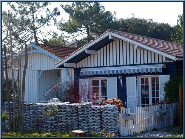 Maisons en bois dans le village ostréicole du Cap Ferret, Bassin d'Arcachon
