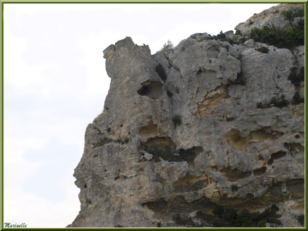 Le Val d'Enfer avec ses rochers aux formes étranges et mystérieuses, Baux-de-Provence, Alpille (13)