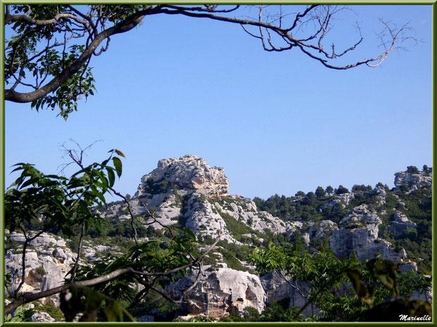 Le Val d'Enfer, vue depuis le village des Baux-de-Provence, Alpille (13)