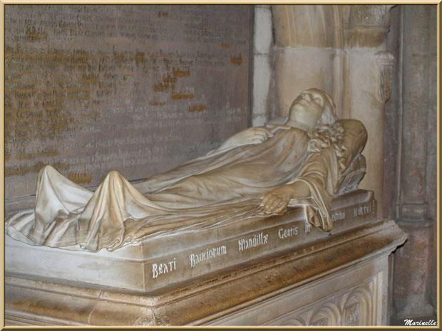 Tombeau de la famille de Manville dans l'église Saint-Vincent, Les Baux-de-Provence, Alpilles (13)