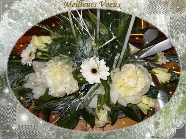 Meilleurs voeux : bouquet de fleurs blanches en décor glace et argent