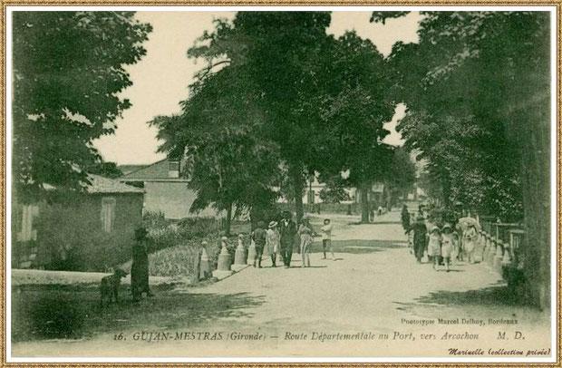 Gujan-Mestras autrefois : le Cours de Verdun (sens direction Arcachon), à l'époque Route Départementale, au niveau du petit pont, Bassin d'Arcachon (carte postale, collection privée)