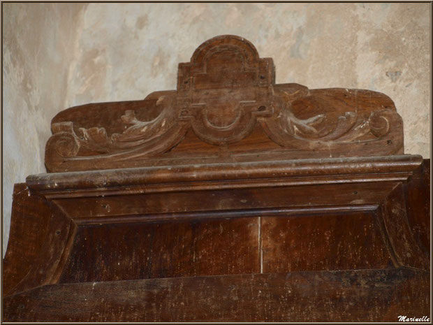 Détail du haut (gauche) du retable de l'autel de la Vierge, église Saint Pierre de Mons à Belin-Beliet (Gironde)