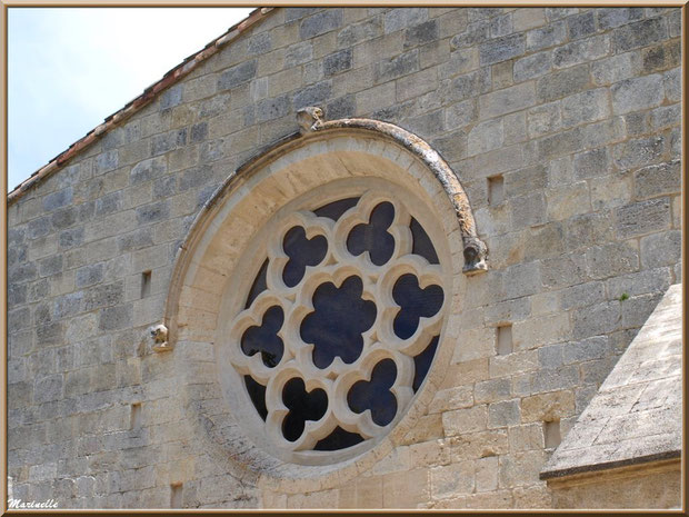 Une rosace de l'abbaye de Silvacane (vue de l'extérieur), Vallée de la Basse Durance (13)