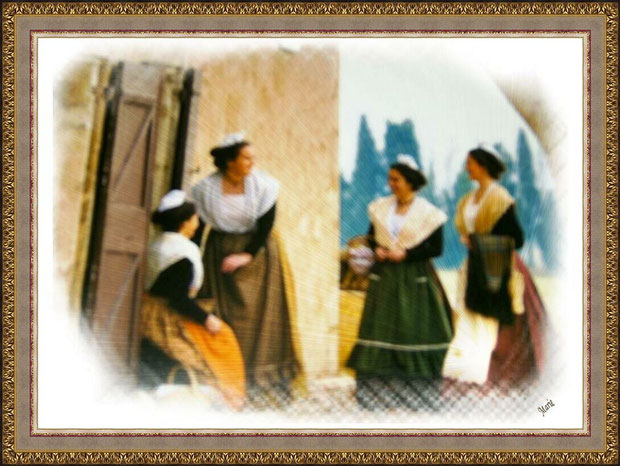 Arlésiennes devant un mas à Saint Rémy de Provence dans les Alpilles, Bouches du Rhône