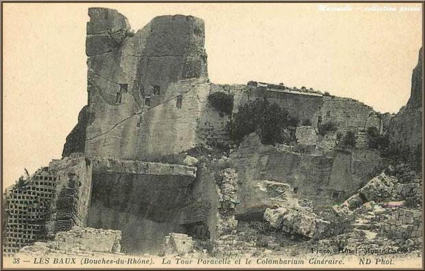 Tour Paravelle et pigeonnier (en dessous à gauche), Château des Baux-de-Provence, Alpille (13) - carte postale ancienne (collection privée)