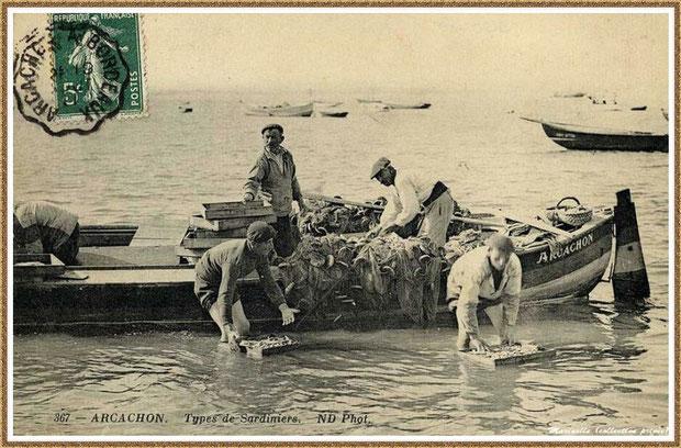 Rinçage des sardines au retour de la pêche en 1911, Bassin d'Arcachon (33)