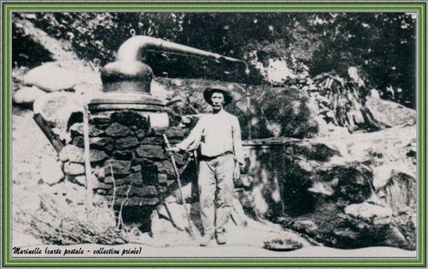 Autrefois... Début XXème siècle, distillation avec alambic à feu nu  (carte postale - collection privée)