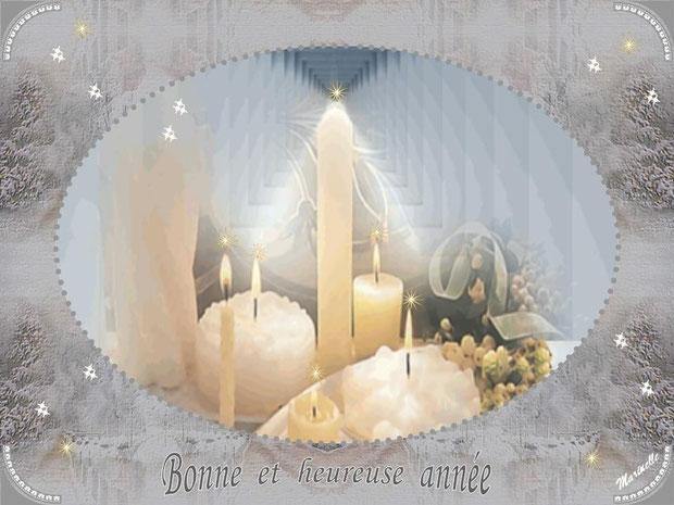 Bonne et heureuse année : bougies et décor neigeux