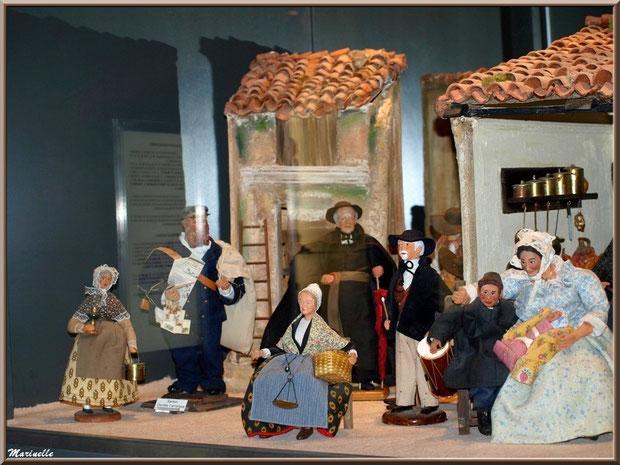 Santons, Baux-de-Provence, Apilles (13) : santons illustrant une scène provençale traditionnelle