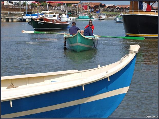 Pinassotes et pinasse revenant de la pêche à la sardine - Fête du Retour de la Pêche à la Sardine 2014 à Gujan-Mestras, Bassin d'Arcachon (33)