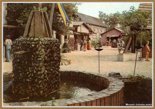 Gujan-Mestras autrefois : Place de la Fontaine au Village Médiéval d'Artisanat d'Art de La Hume, Bassin d'Arcachon (carte postale, collection privée)
