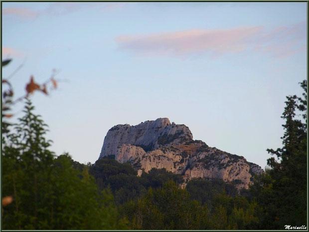 Soleil couchant sur les Alpilles depuis Saint Rémy de Provence, Alpilles (13)
