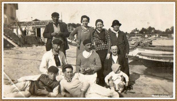 En 1932, une pose photo sur la plage, Village de L'Herbe autrefois, Bassin d'Arcachon (33)