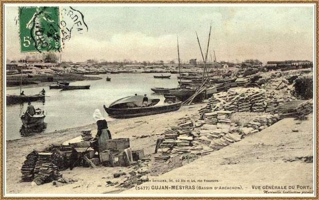 Gujan-Mestras autrefois : en 1909, ostréiculteurs et bateaux dans la darse principale du Port de Larros, Bassin d'Arcachon (carte postale, collection privée)