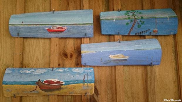 L'Atelier à JLA - Peintures sur un ensemble de quelques tuiles ostréicoles (Bassin d'Arcachon)