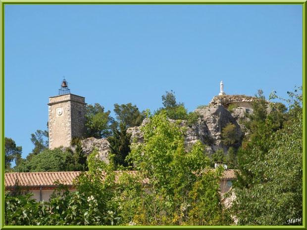 Les hauteurs du petit village perché d'Eygalières dans les Alpilles, Bouches du Rhône