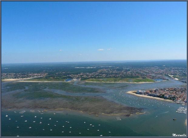 Le Bassin, parcs à huîtres, bateaux, Arcachon et son quartier de l'Aiguillon, La Teste avec ses ports et ses prés salés puis, Gujan Mestras avec sa plage de La Hume, Bassin d'Arcachon (3