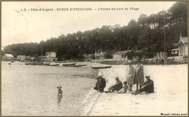 Un coin du port et la plage sur le Bassin, Village de L'Herbe autrefois, Bassin d'Arcachon (33)