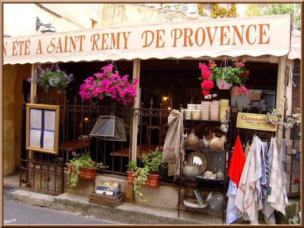 Boutique restaurant dans le centre ville à Saint Rémy de Provence, Alpilles (13)