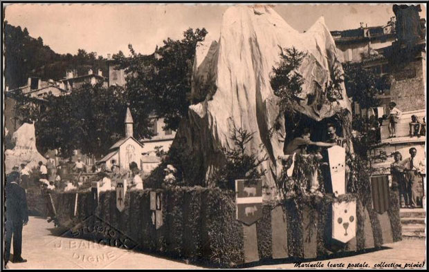 Corso de la Lavande de Digne en 1948 (carte postale, collection privée)