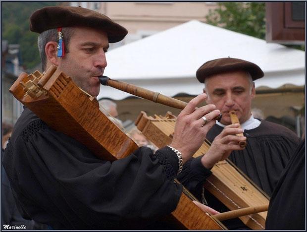 Musiciens Ossalois à la Fête au Fromage, Hera deu Hromatge, à Laruns en Vallée d'Ossau (64)