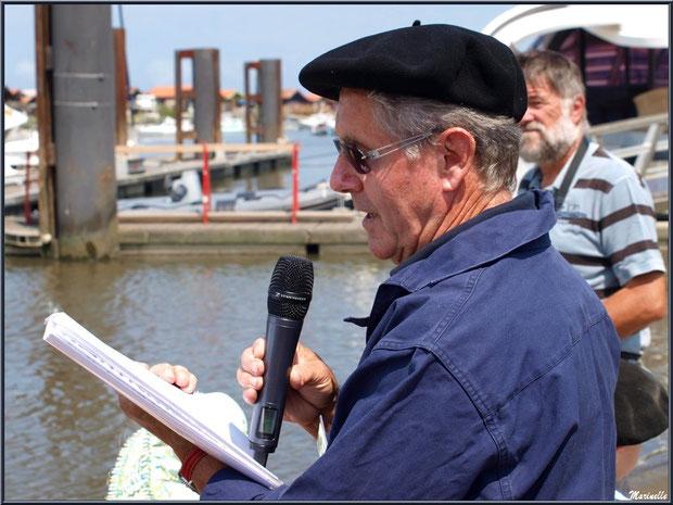 Quand Guy Dubourdieu se fait conteur pour retracer l'histoire de la pêche à sardine sur le Bassin d'Arcachon - Fête du Retour de la Pêche à la Sardine 2014 à Gujan-Mestras, Bassin d'Arcachon (33)