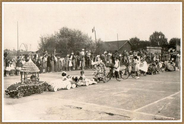 Gujan-Mestras autrefois :  défilé du corso fleuri dans les rues gujanaises, Bassin d'Arcachon (photo, collection privée)