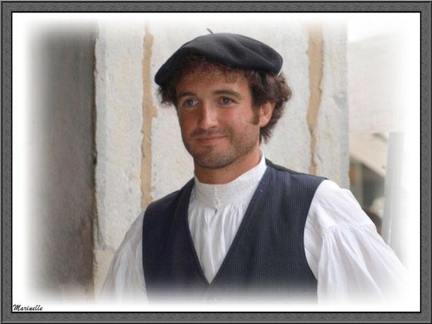 Berger Ossalois à la Fête au Fromage, Hera deu Hromatge, à Laruns en Vallée d'Ossau (64)