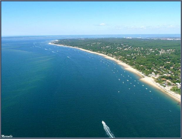 Le Bassin et le rivage d'Arcachon et ses quartiers Péreire et Le Moulleau puis le début du Pyla, Bassin d'Arcachon (33) vu du ciel