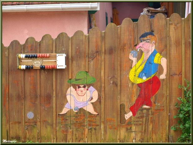 Fresque humoristique et compte points au boulodrome du Village de L'Herbe, Bassin d'Arcachon (33)