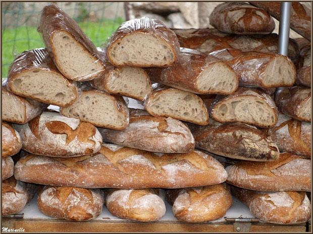 Etal pain de campagne, Fête au Fromage, Hera deu Hromatge, à Laruns en Vallée d'Ossau (64)