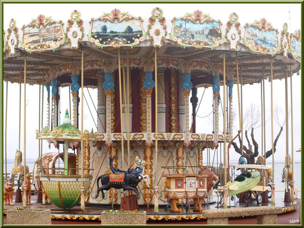 """Le Carrousel 1900 à la jetée d'Eyrac à Arcachon, """"Ville d'Eté, Bassin d'Arcachon"""
