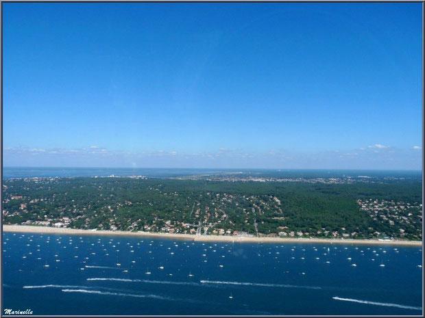 Le Bassin et le rivage d'Arcachon et ses quartiers Péreire et Le Moulleau, Bassin d'Arcachon (33) vu du ciel