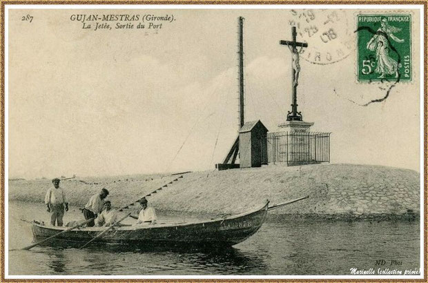 Gujan-Mestras autrefois : en 1908, pinassotte sortant en mer devant la Jetée du Christ et son phare, Port de Larros, Bassin d'Arcachon (carte postale, collection privée)