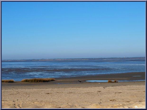 La plage, le Bassin avec, à l'horizon, Lanton et Cassy, Sentier du Littoral, secteur Moulin de Cantarrane, Bassin d'Arcachon