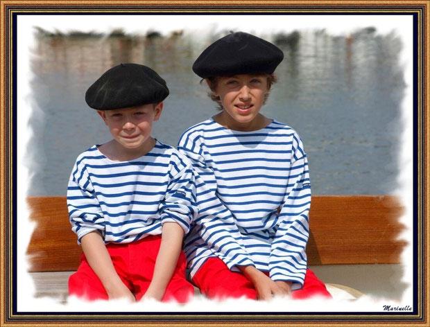 Petits matelots en tenue locale - Fête du Retour de la Pêche à la Sardine 2014 à Gujan-Mestras, Bassin d'Arcachon (33)