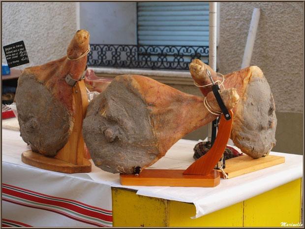 Etal jambon de coche du pays, Fête au Fromage, Hera deu Hromatge, à Laruns en Vallée d'Ossau (64)