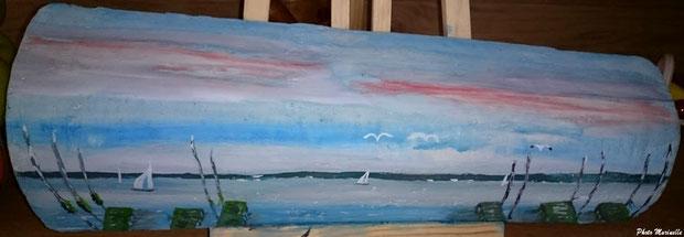 """JLA Artiste Peintre - """"Atmosphère Bassin Arcachon : parcs huîtres, voiliers, mouettes"""" 049 - Peinture sur tuile ostréicole (Bassin d'Arcachon)"""