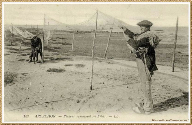 Pêcheur ramassant ses filets après qu'ils aient séché, Bassin d'Arcachon (33)