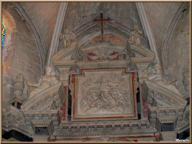 Eglise Notre Dame de Beaulieu, village de Cucuron, Lubéron (84) : haut de l'autel de la nef principale